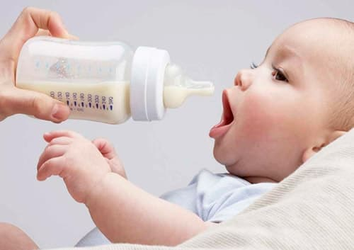 Какую смесь выбрать для новорожденного
