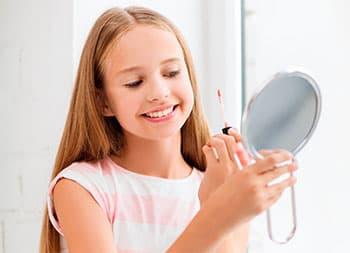 макияж губ для девочек