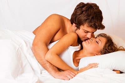 Девушка с месячными занимается сексом